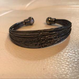 Jewelry - Bracelet with metallic tones